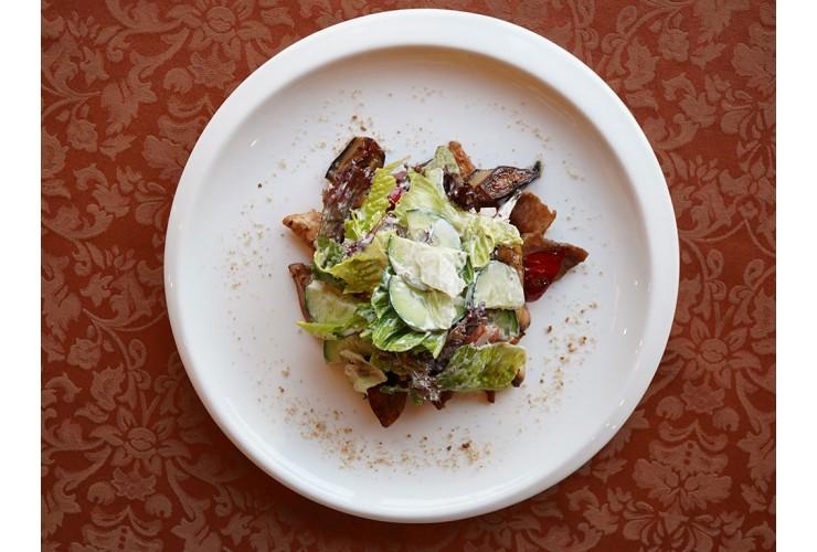 Теплый салат гриль со свининой